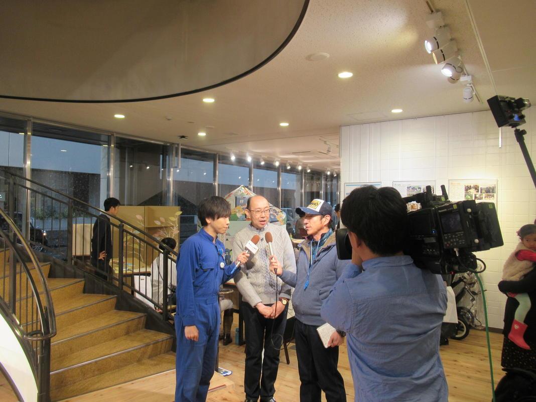 OFIスリーショットインタビュー5.JPG